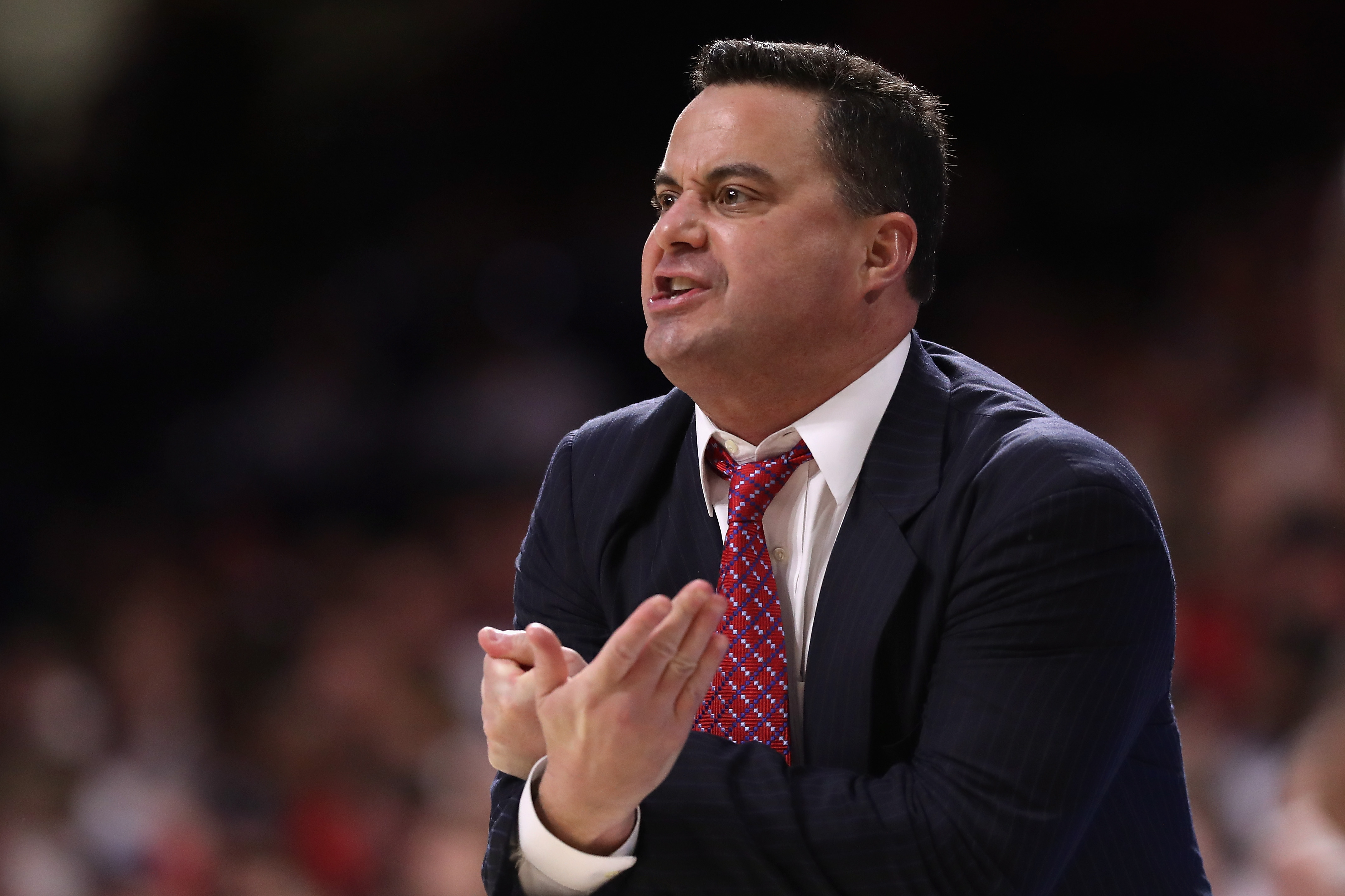 Arizona Basketball: Wildcats face-off against the Lobos in The Pit